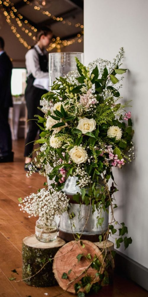 Weddding flowers at Casterley Barn